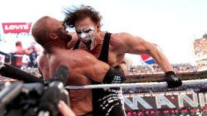 Sting connects with the Stinger Splash