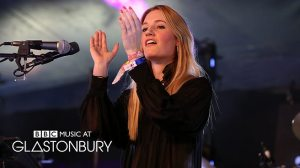 Robyn Sherwell at Glastonbury