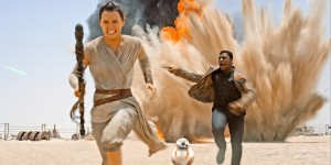 Rey and Finn on Jakku - The Force Awakens