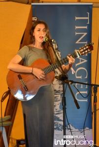 Nessi Gomes at Sark Folk Festival