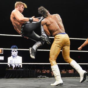 Velveteen Dream vs Tyler Breeze 3